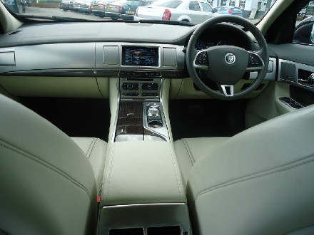 JAGUAR 2.2d (200) Premium Luxury