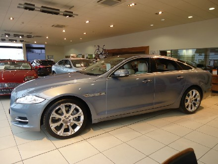 Jaguar XJ Portfolio Huge Saving from lis